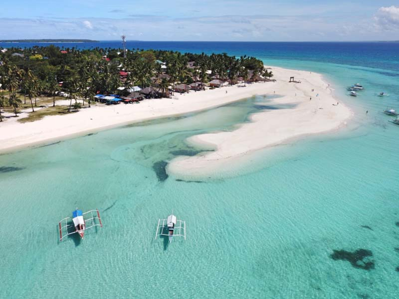 The paradise beaches of Bantayán, Philippines.